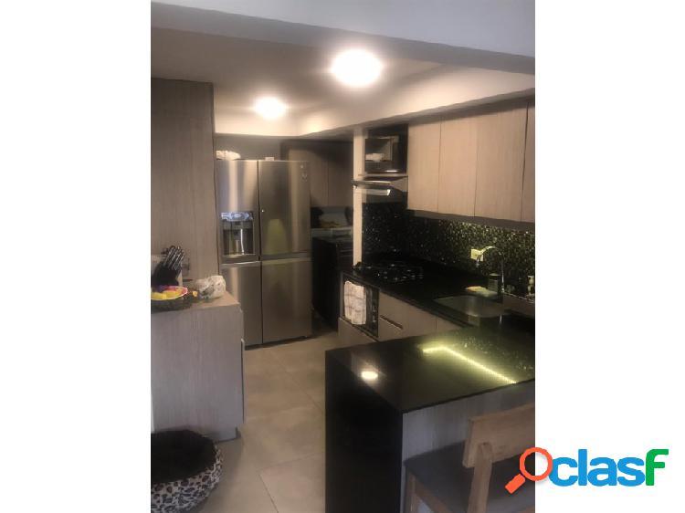 Se vende apartamento en Loma de los bernal.