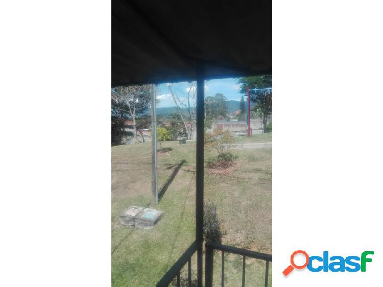 Se vende casa en Robledo – Santa Maria