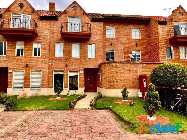 Se vende casa en conjunto el paseo de los buganviles en Chia