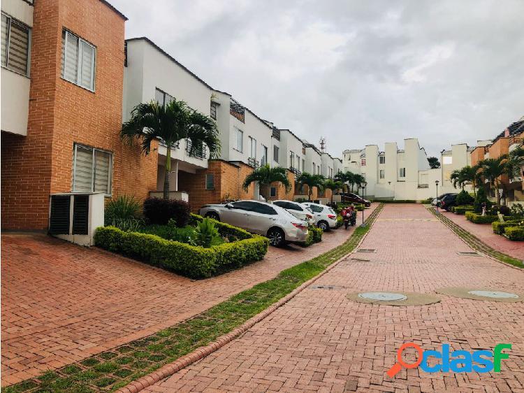 Venta de casa en barrio la villa Pereira
