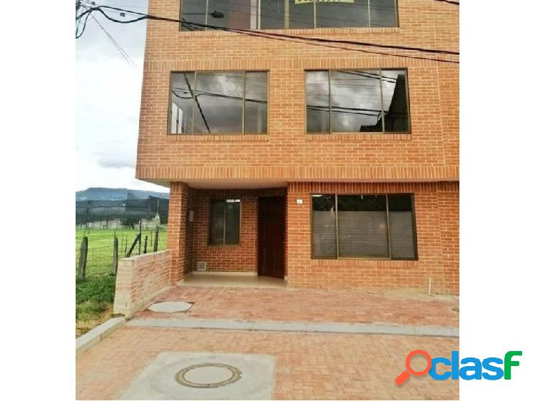 se vende casa nueva en Chia Cra novena