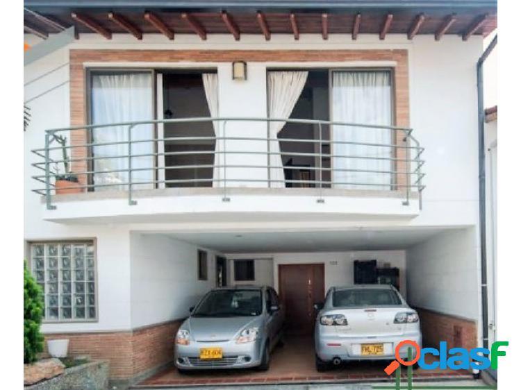 Casa en venta Envigado Loma del Chcoho