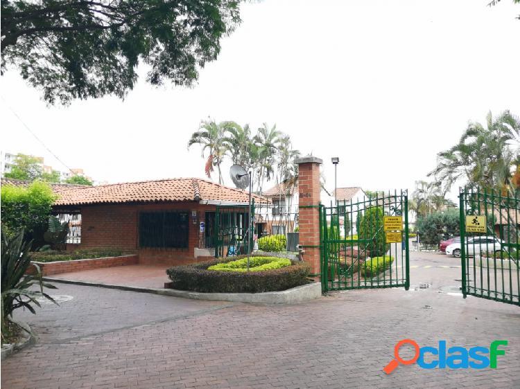 Se renta casa en el conjunto residencial Parques de las