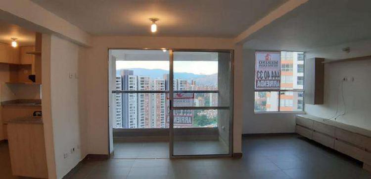 Apartamento En Arriendo En Medellin Loma De Los Bernal