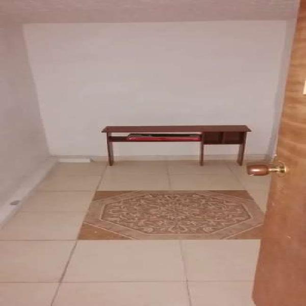 Habitación sin amoblar en Robledo