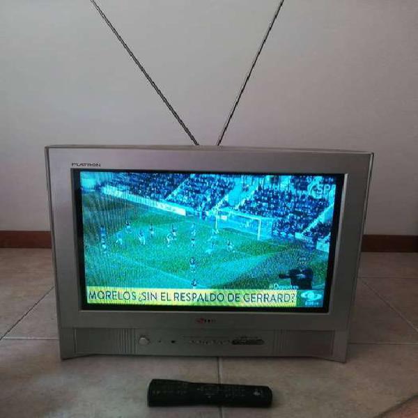 Televisor LG 21 pulgadas con control y antena de aire