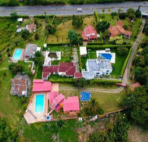 Casa campestre para alquilar en pereira colombia km 16 via