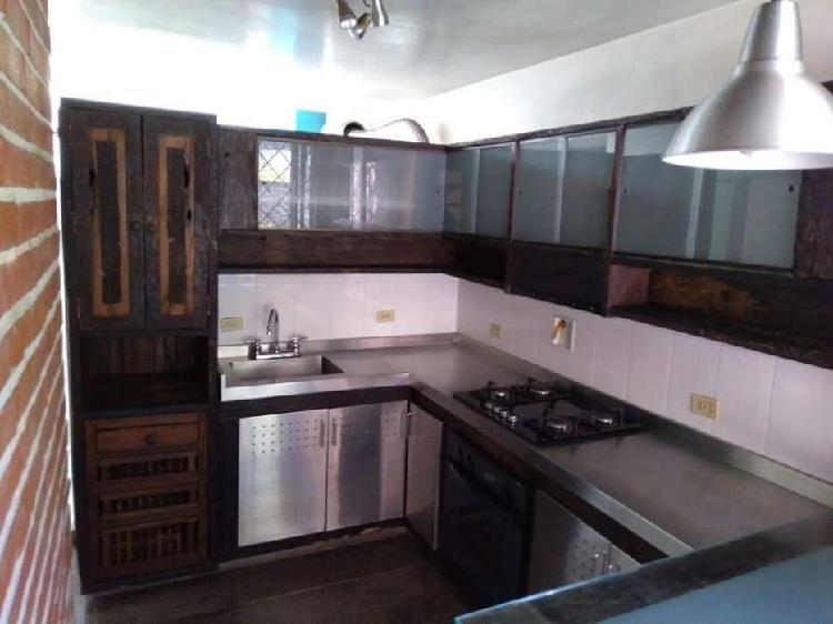 COD 0489 Venta de casa primer piso en La Loma del Esmeraldal