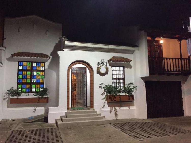 Casa En Venta En Cali San Fernando CodVBVLZ_2700