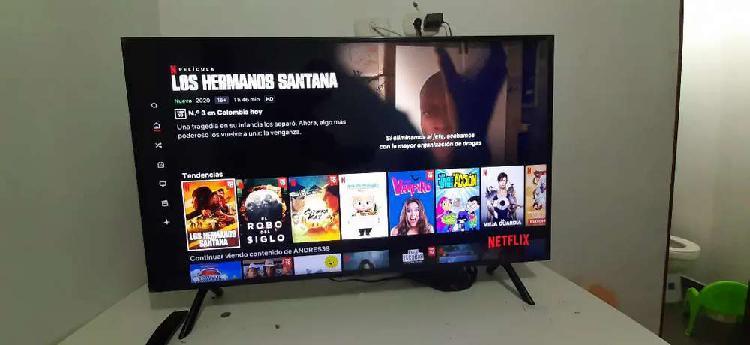 SE VENDE TV SAMSUNG UHD 4K SMART TV SERIES 7 43 PULGADAS