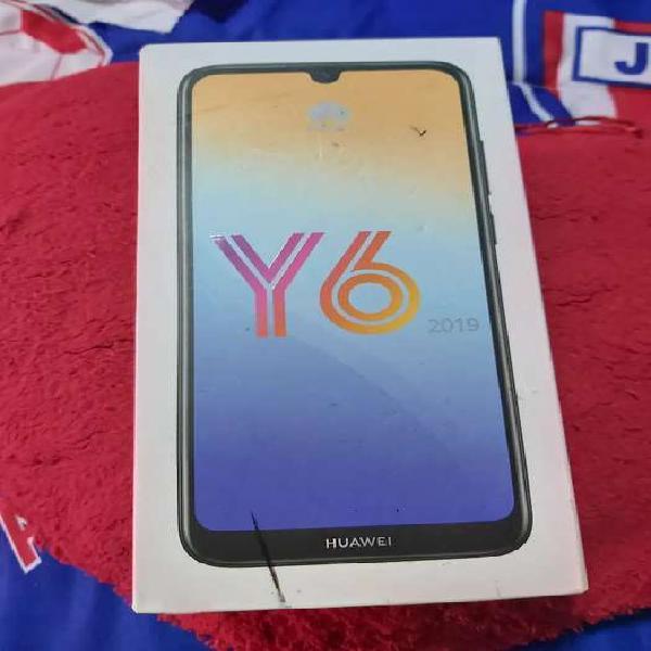 Se vende celular HUAWEI Y6 2019