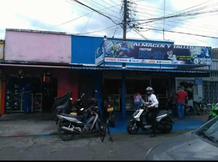 Venpermuto casa sector muy comercial barrio San Isidro en el