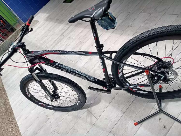 Bicicleta x10 marco en aluminio freno hidráulico