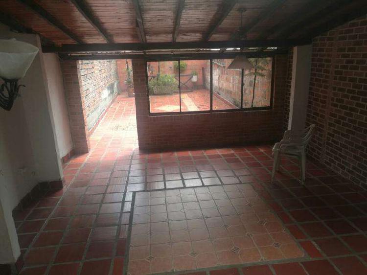 Casa_Local En Arriendo En Envigado Guanteros CodABSUR_28387