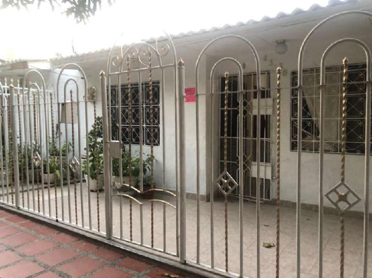 Se vende casa en Urb el parque