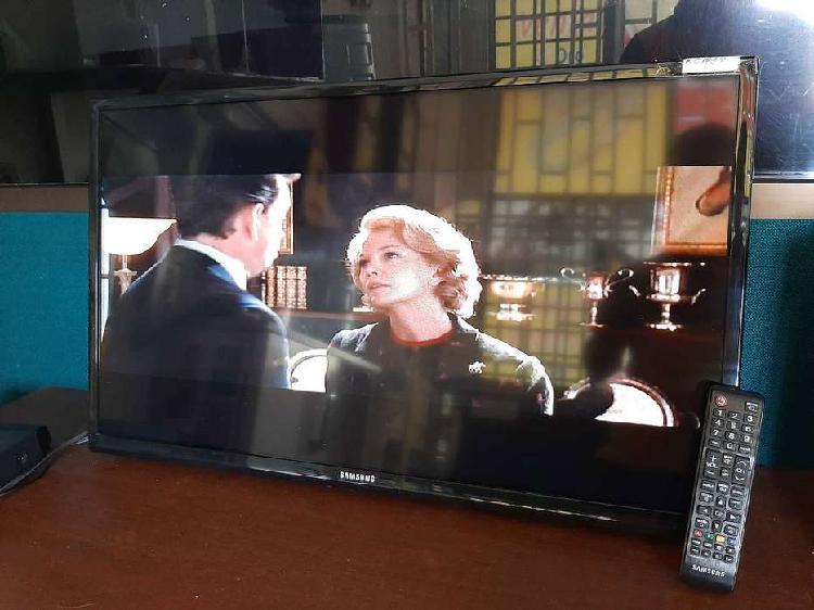 "TELEVISOR SAMSUNG 32"" LCD"