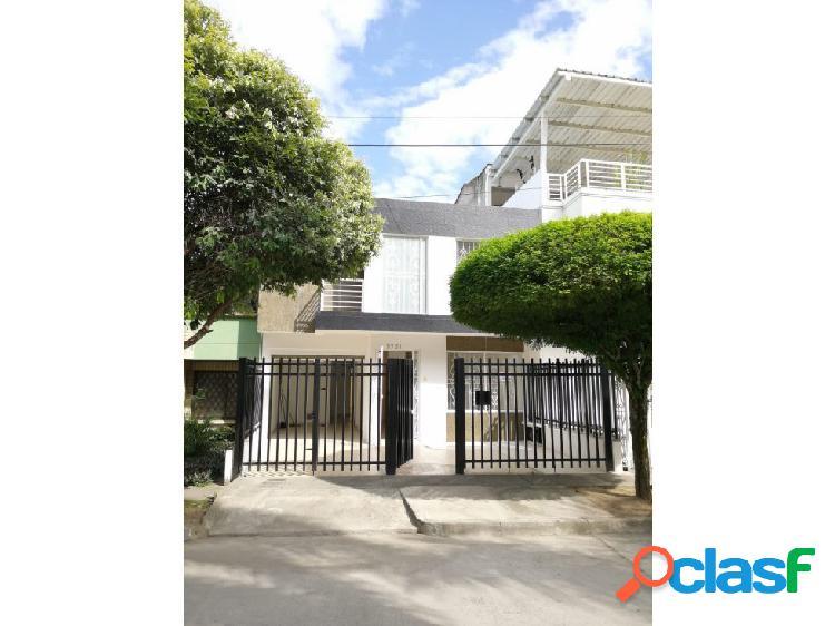 Se renta casa de 2 niveles en el barrio Las Mercedes Palmira
