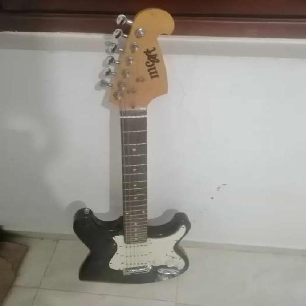 Guitarra mcart de segunda, para repuestos o para mandarla a