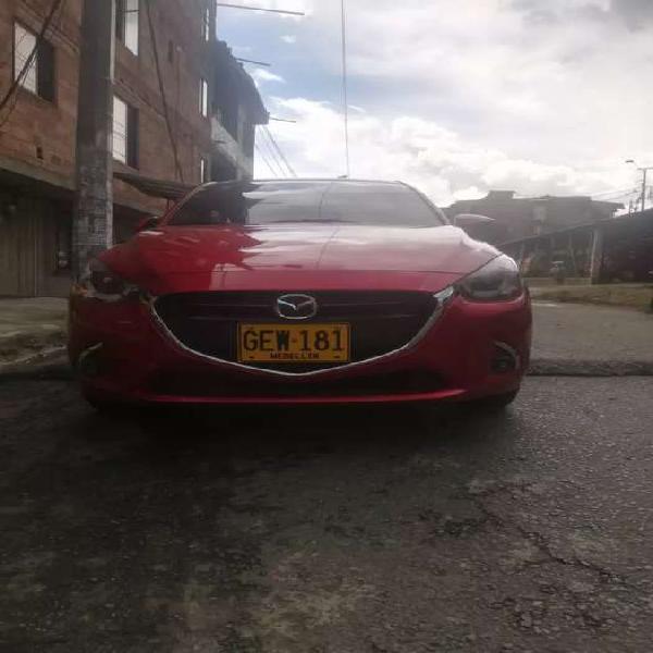 Mazda 2 sedan gran touring Modelo 2020 - rojo diamante,