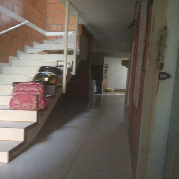 Se vende casa en molinos de Comfandi