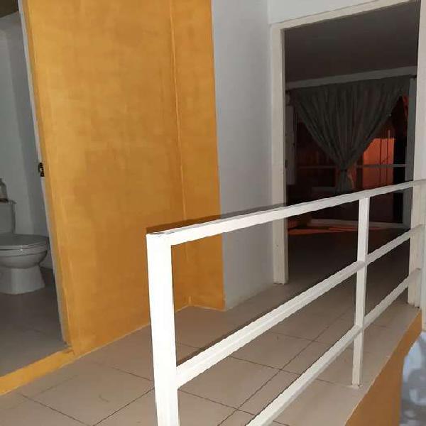 Se vende casa en puertas de alcala