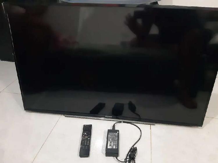 Vendo televisor sony de 48 pulgadas modelo KDL-48W607B para