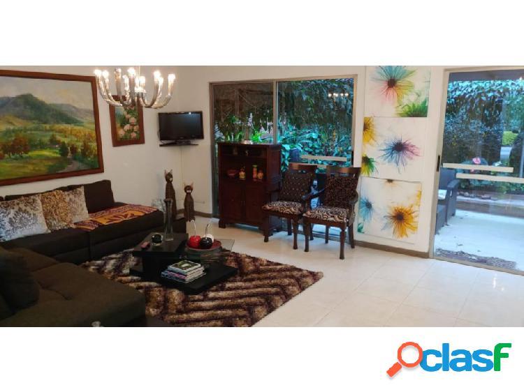 Casa en venta de 200 m2 en San Lucas en Envigado