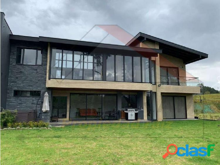 Se vende Espectacular Casa en Alto de las Palmas