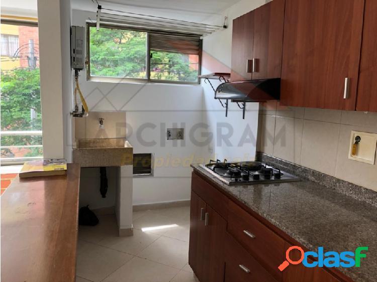 Se vende apartamento en Aves María Sabaneta