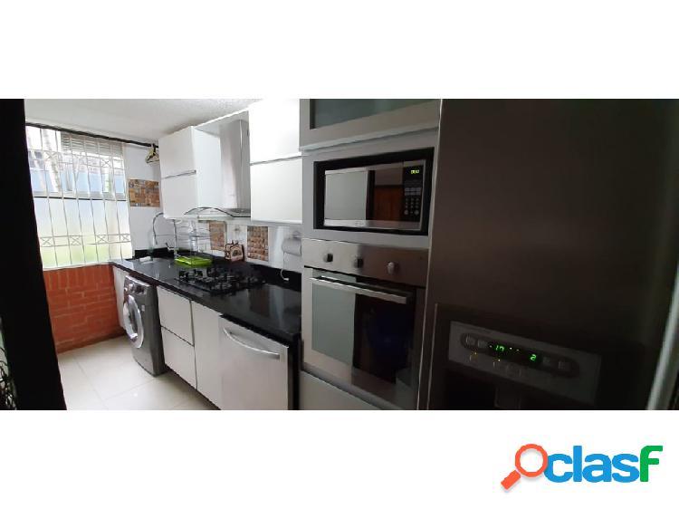 Se vende apartamento en Calasanz.