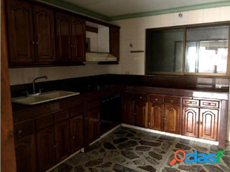 Se vende apartamento piso 2+3 en Cristo Rey /Guayabal