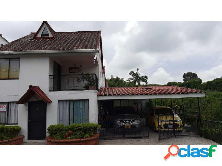 Se vende casa en bosques de Santa Elena 2