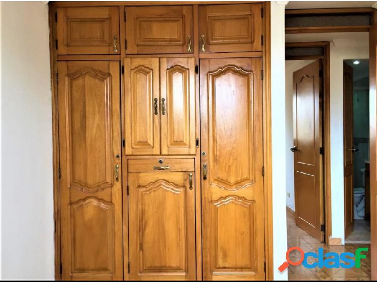Vendo Apartamento Piso 14 Área: 64 m² Boston Medellin