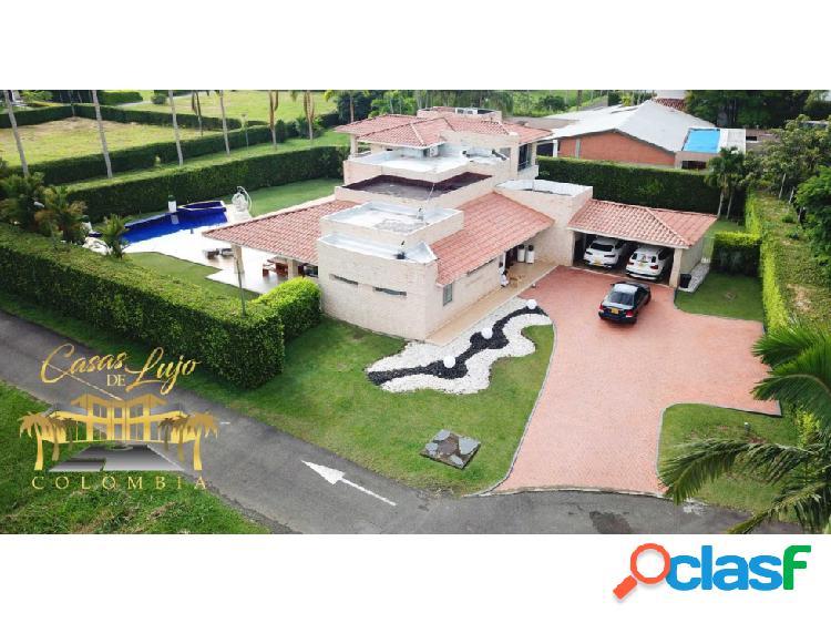Venta de espectacular casa campestre en Cerritos.