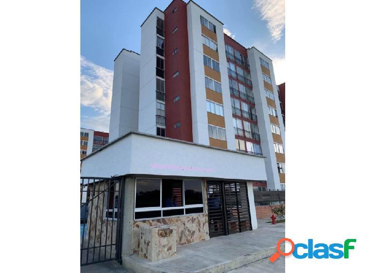 Venta o Alquiler de Apartamento En Condominio En Tulua -