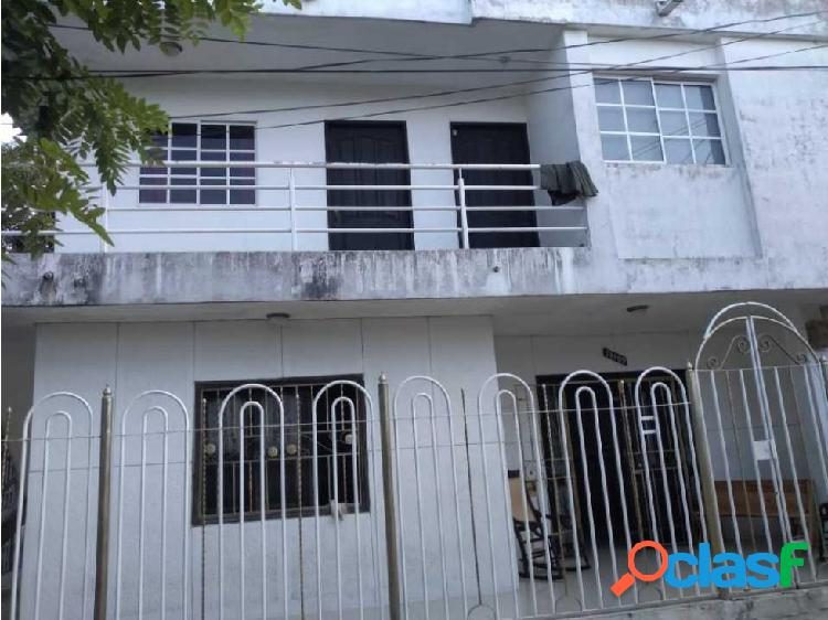 En Venta Casa con 4 Apartamentos, Barrio Los Robles
