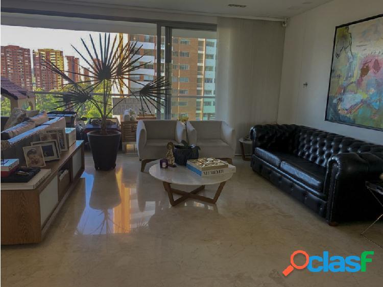Gran apartamento a la venta en La Loma del Tesoro. Moderno y