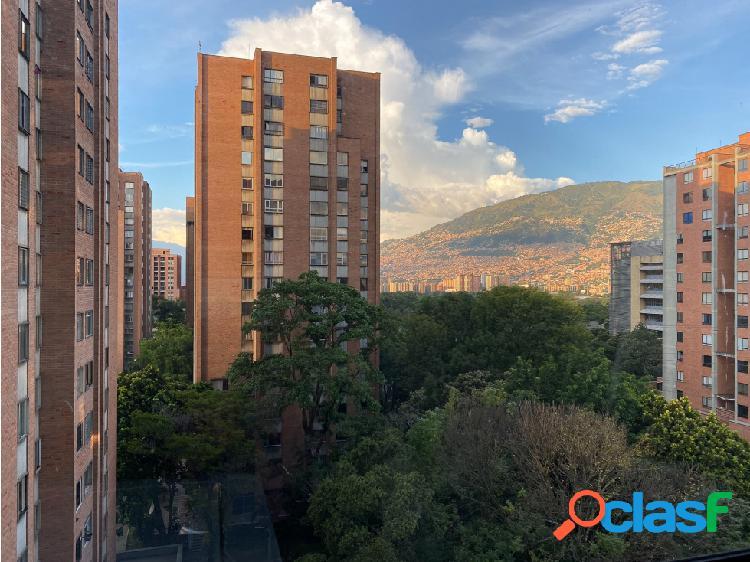 Se Vende Apartamento en Suramericana piso alto, Laureles