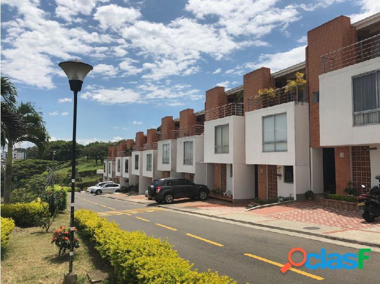 Venta de casa remodelada en Rincon de Unicentro Pereira