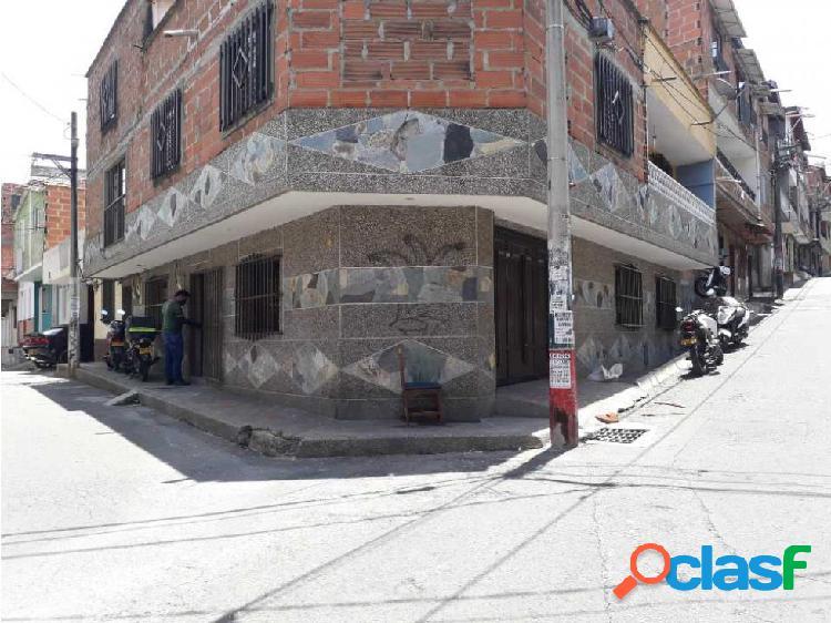 Alquilo casa en el Barrio La Cumbre, Bello