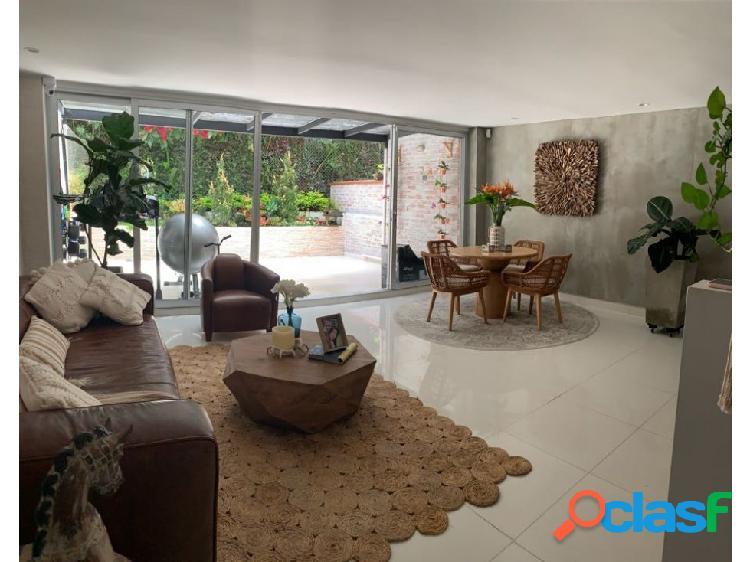 Casa en venta en la Transversal Intermedia, Envigado