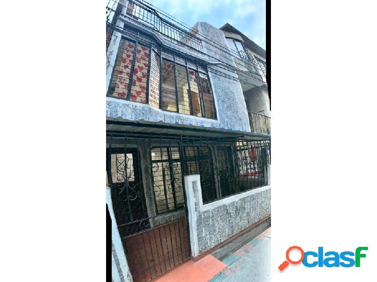 Casa Peatonal Bifamiliar en Venta en Ciudad Cordoba (F.D)