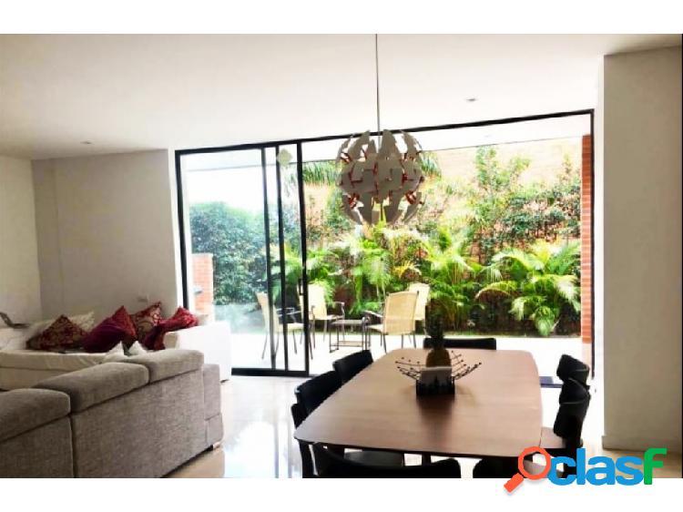Excelente casa para la venta en el sector La Calleja