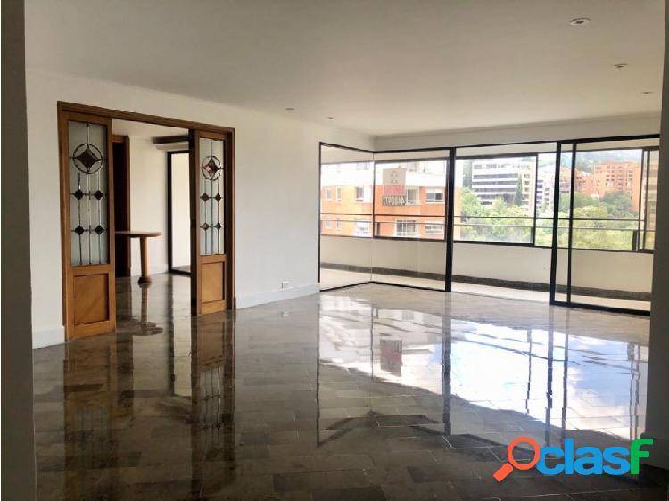 Apartamento en venta sector El Campestre Medellín