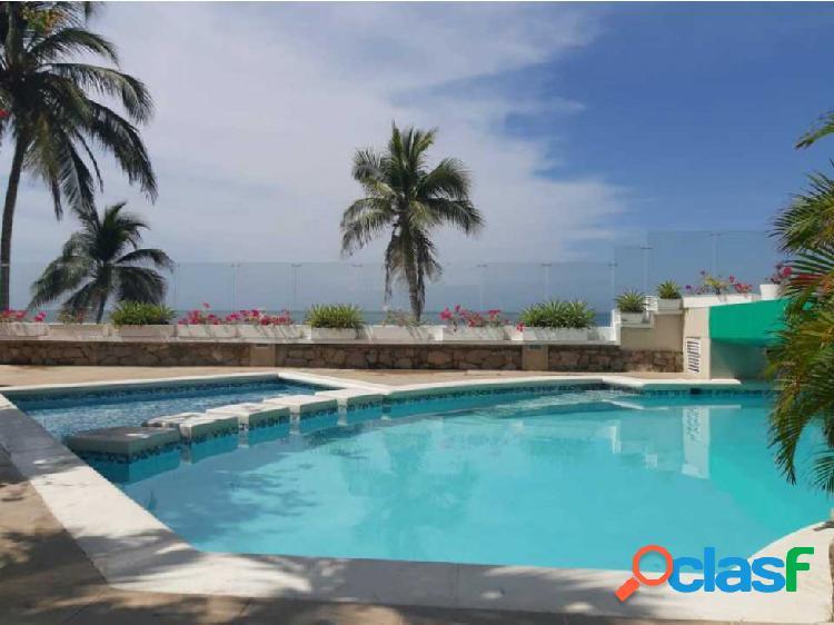 Apartaestudio duplex con salida directa al mar Playa