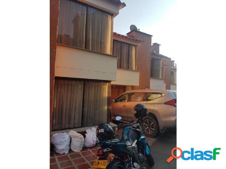 Se vende hermosa casa en el barrio la Arboleda