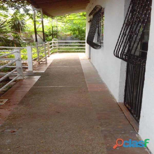 Venpermuto casa grande en Girardot
